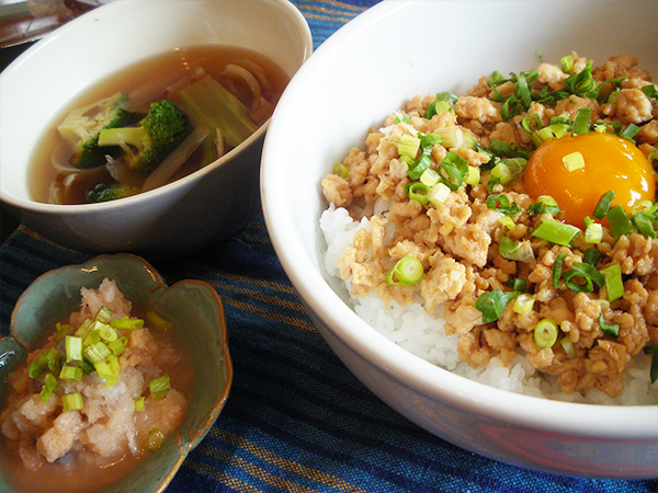 【Mon】鶏そぼろの親子丼定食