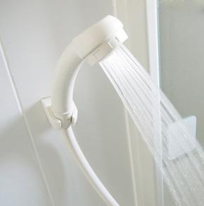 シャワーヘッドを清潔に