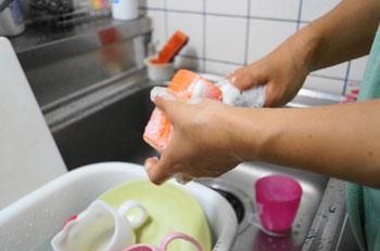 酢は食器洗いの強力サポーター