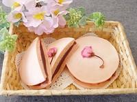 桜のパンケーキサンド