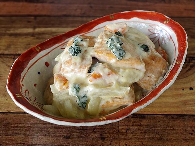 秋鮭の濃厚ミルク煮